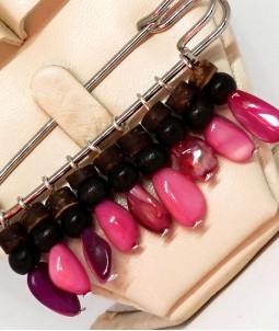 Broșă wood roz
