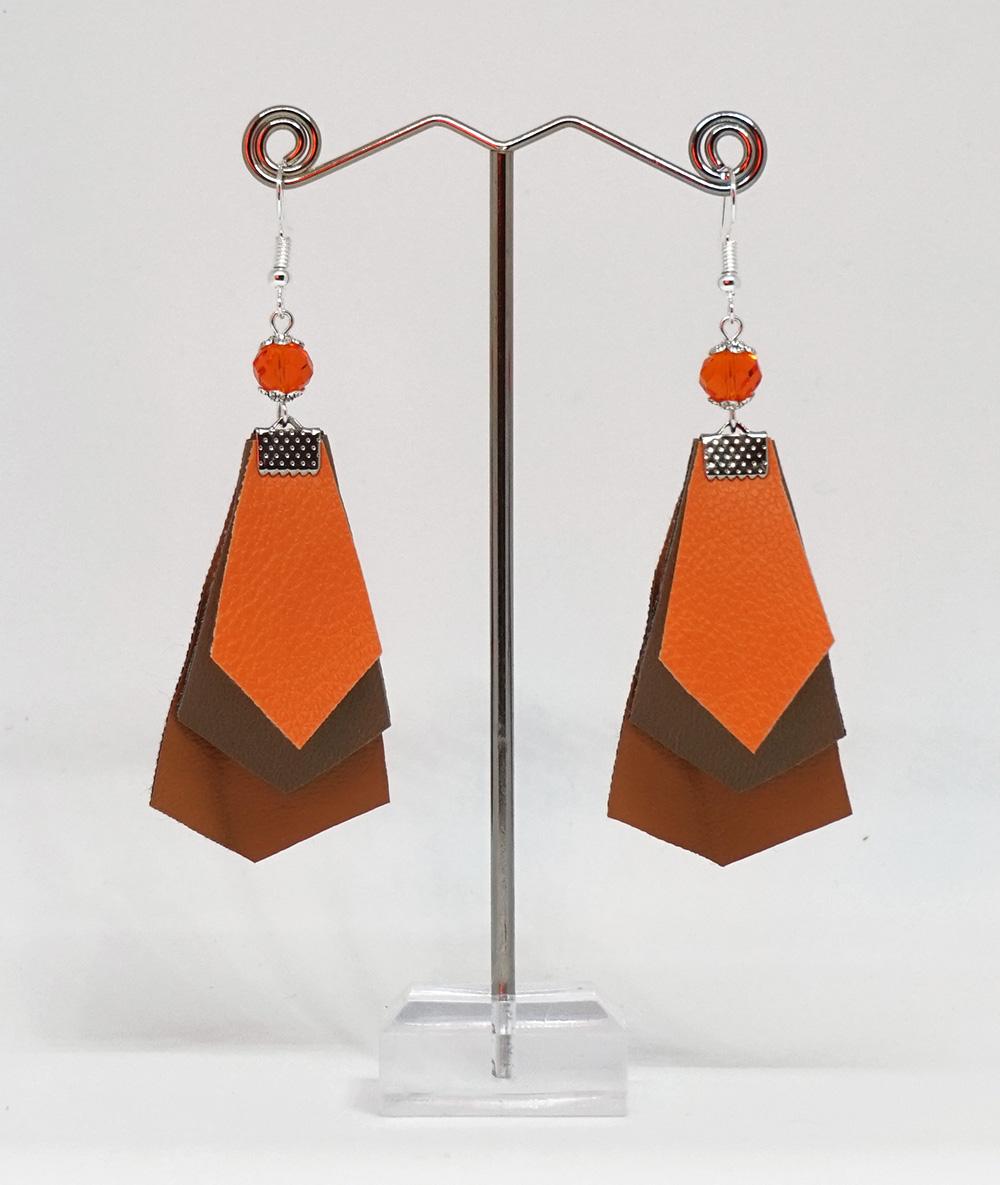Cercei portocalii cu romburi din piele sintetică